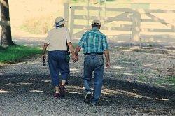 adults-cap-couple-906111_resized