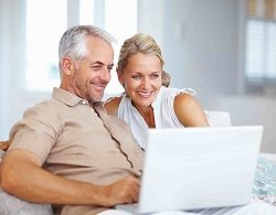 middle-aged-couple-with-a-laptop-low-res-copy_resized