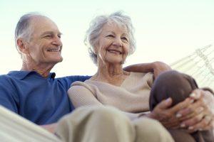 happy_oldcouple_elderly_1200